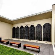 BJ-Pamatnik-Holokaustu-dvor