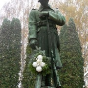 HnH-Pomnik-padlym