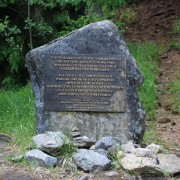 pomnik143