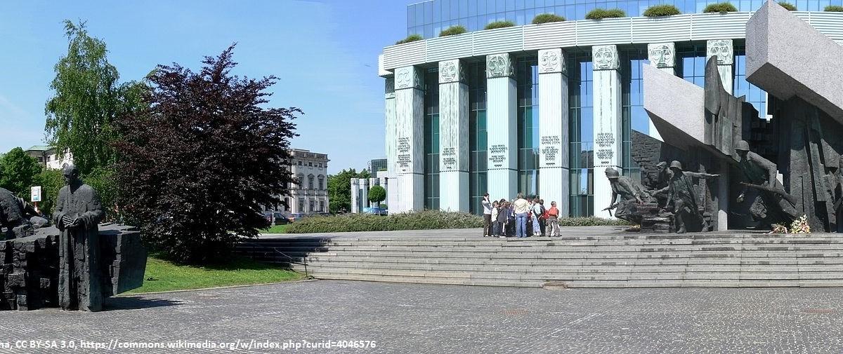 WarsawUprisingMonument