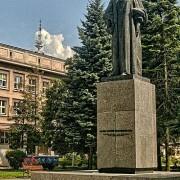 368px-PomnikMariiSkodowskiej