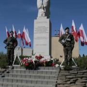 Pomnik-Bohaterow-Monte-Cassino