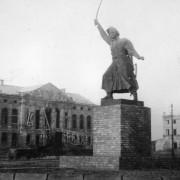 PomnikKilinskiWarszawa06