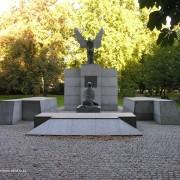 Pomnikkatynski1